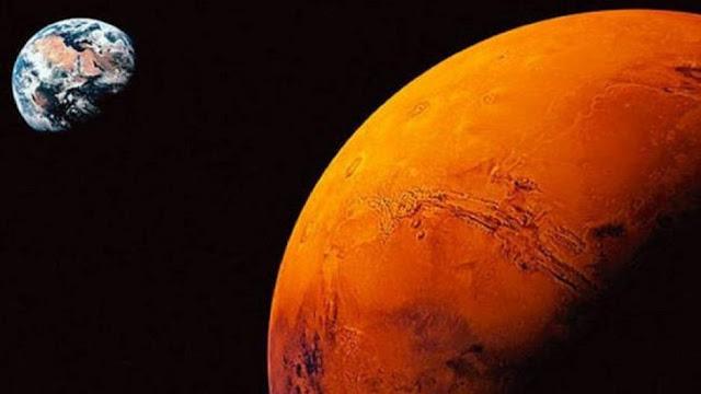 Με φαντασμαγορικό σόου του Άρη φεύγει ο Ιούλιος (βίντεο)