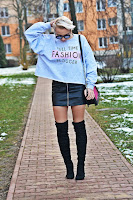 http://www.karyn.pl/2016/12/full-time-fashion-blogger.html
