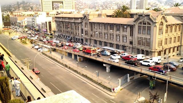 Compras na Avenida Argentina em Valparaíso