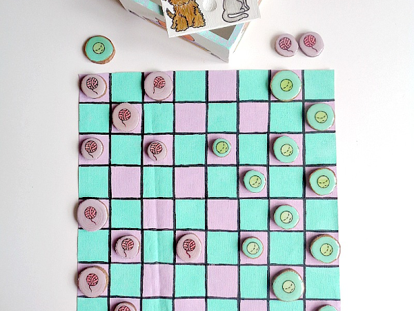 DIY: Portable Checkers Game (Dogs vs Cats Edition)