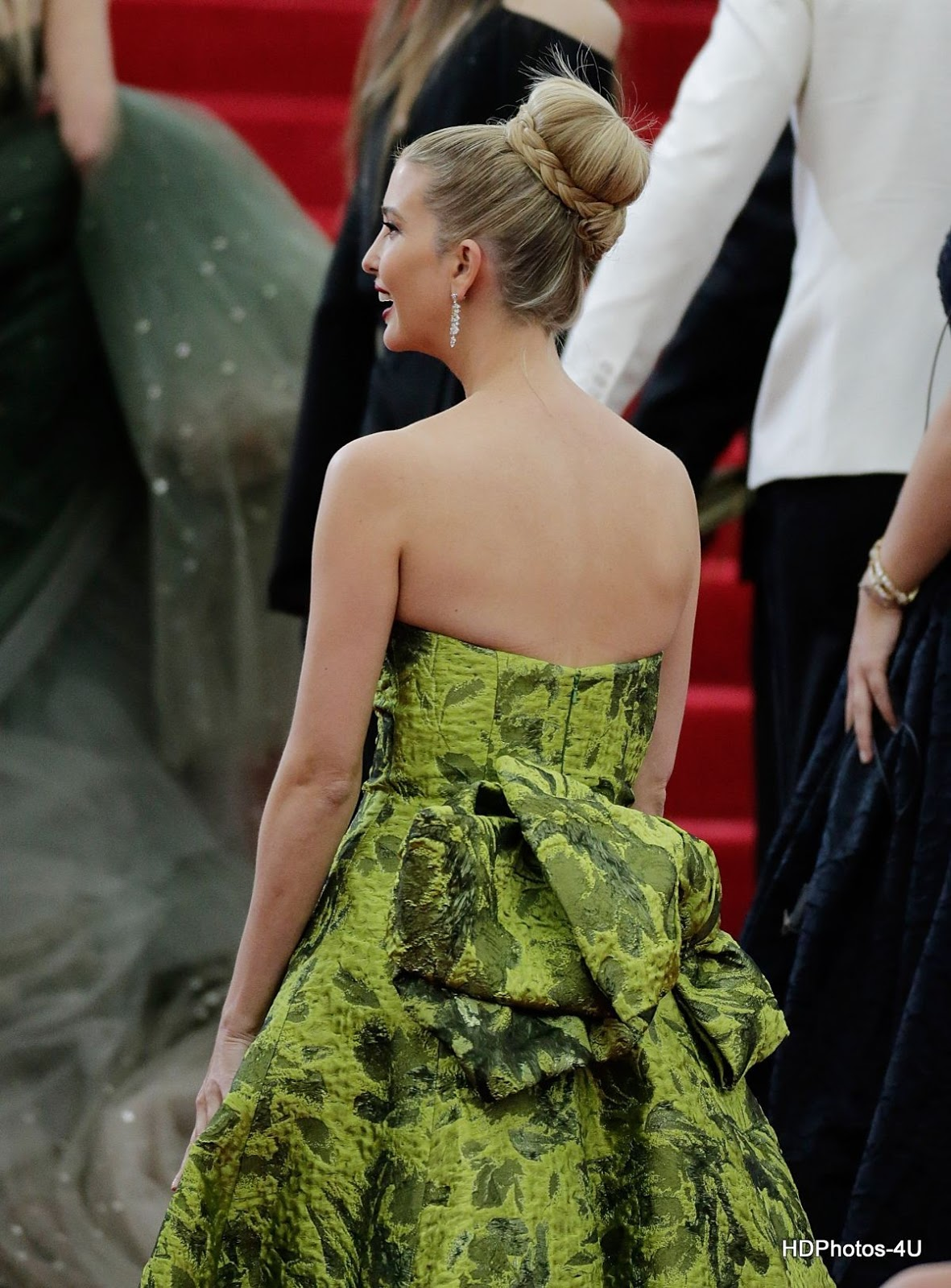 Donald Trump Daughter: HQ Photos & Wallpapers Ivanka Trump at at MET Gala 2014 in Ney York