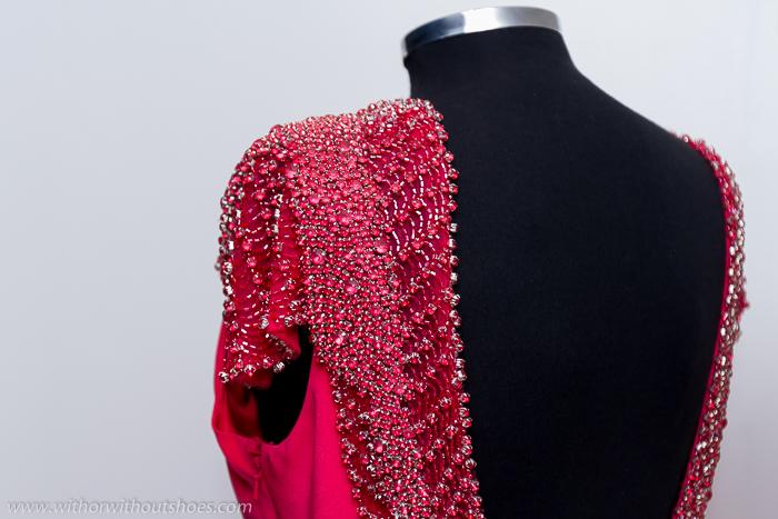Vestido de fiesta Rosa Clara pedreria bordada hombros y escote +espalda_pico