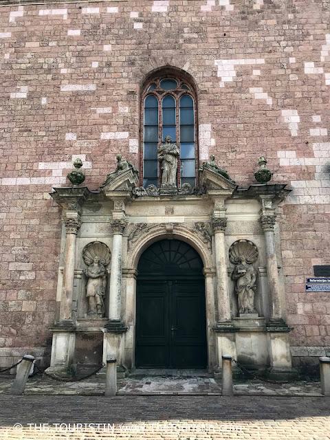 St. Peter's Church Skarnu iela 19, Riga 1050, Latvia. Door. The Touristin