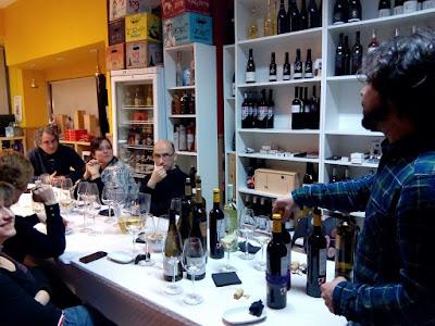 Cata de vino de varias bodegas en Maltea2
