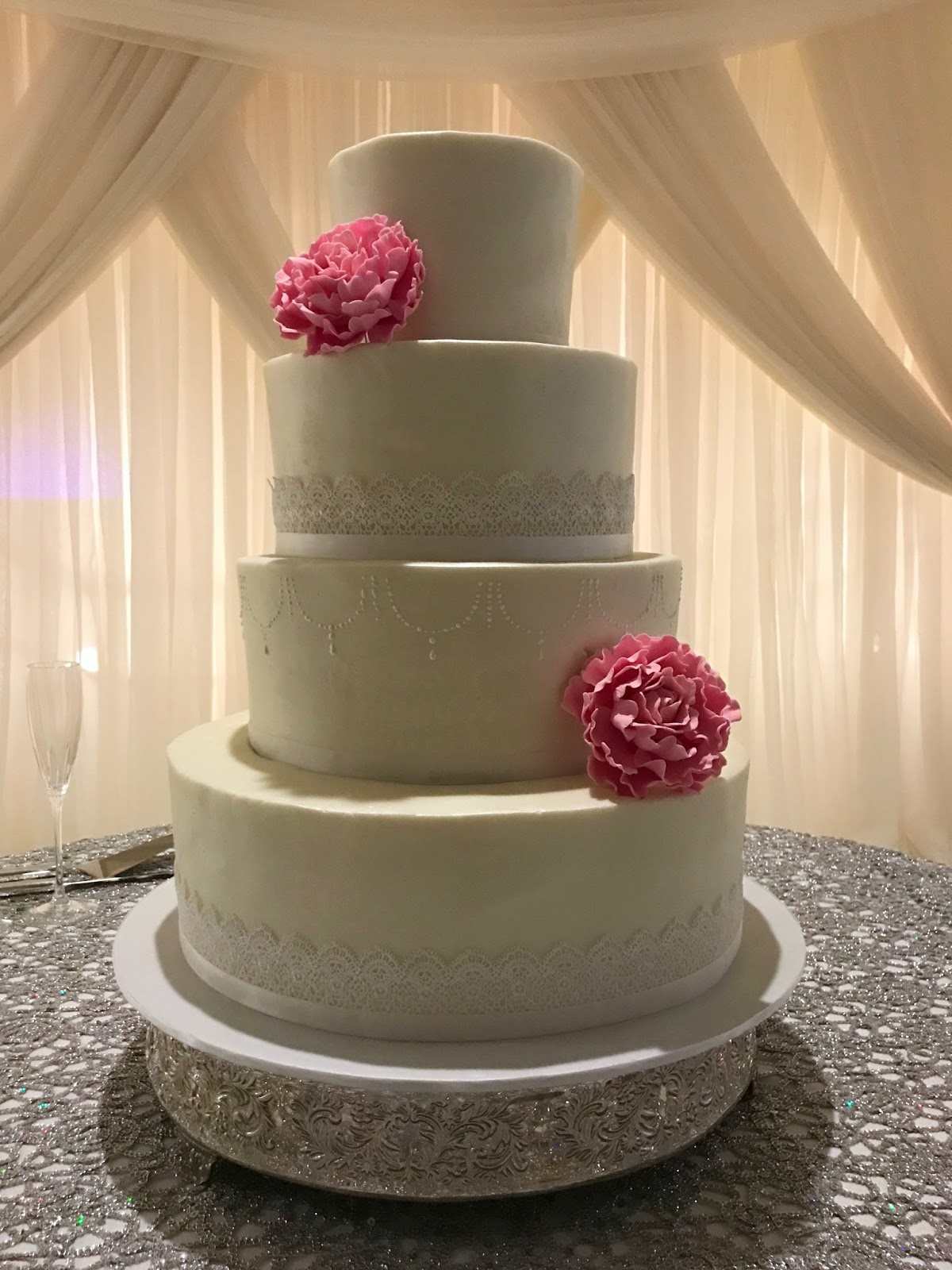 14 10 6 wedding cake cakes by lace trimmed wedding cake 6 quot 10 quot 12 quot amp 14 quot 10040