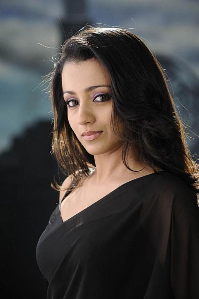 Trisha 2016 Latest Stills in Black Saree