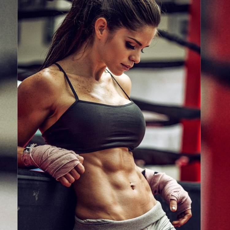MICHELLE LEWIN AND HER TRAINING fitness program