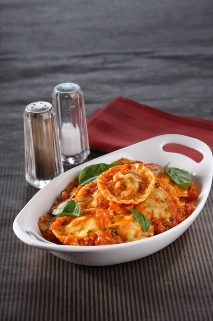 SPINACH RAVIOLI WITH TOMATO BASIL