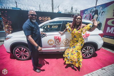 Bisola Receives AMVCA Trailblazer Car Prize (photo)