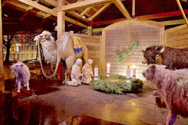 Boże Narodzenie, jarmarki świąteczne, city beak, jarmark bożonarodzeniowy, katedra, Vilnius, Wilno, Wilno co zobaczyć, Wilno na weekend, Litwa co zobaczyć, Wilno szopka