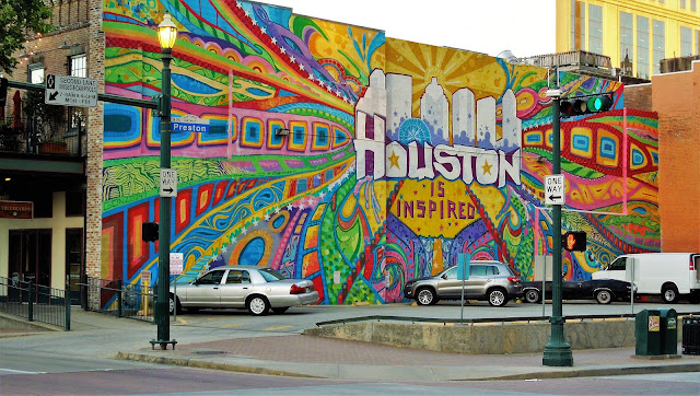 HOUSTON IS INSPIRED MURAL ON PRESTON STREET AT TRAVIS