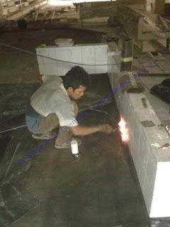Material yang digunakan dalam pekerjaan ini adalah membrane bakar Sika Bituseal ex Sika