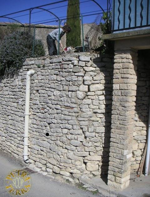 petra terra scop reprise d 39 un mur de sout nement en pierre s che en 2007. Black Bedroom Furniture Sets. Home Design Ideas