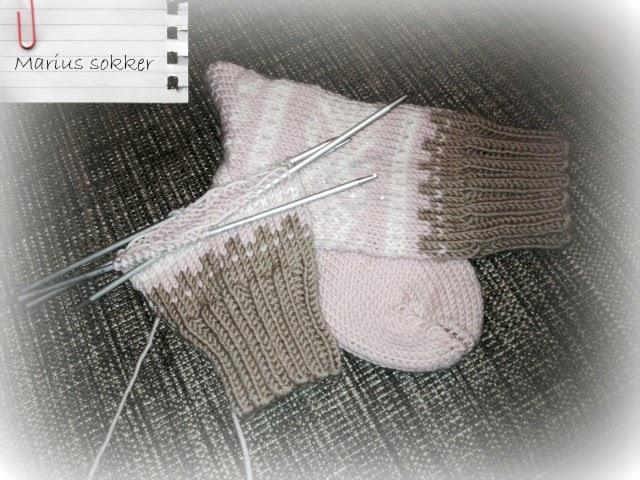 40db4117 Marius sokker strikket i Merinoull fra Sandnes Garn.