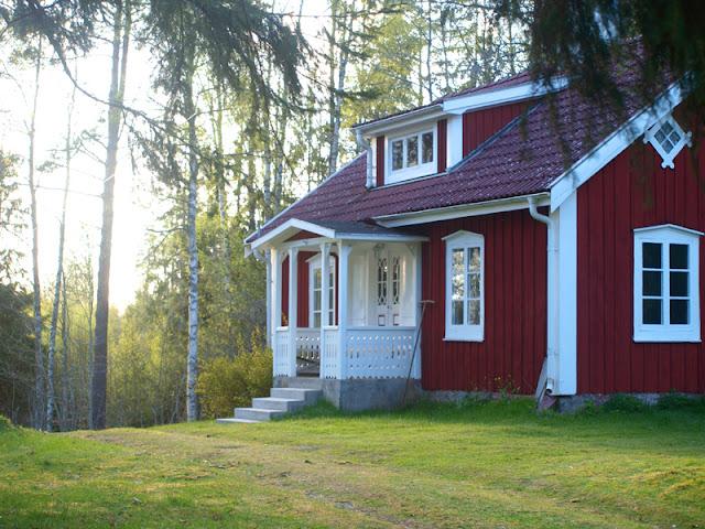 Rød ødegård i Sverige
