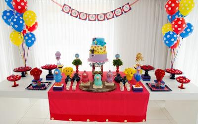 decorar decora decoração festa aniversario bola balão balões bexiga bexigas enfeite enfeitar mesa bolo lindo facil simples barato criativo lateral charme