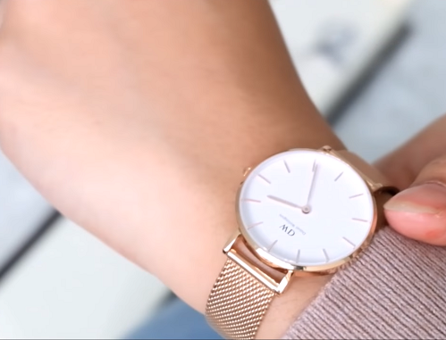 jam tangan wanita minimalis