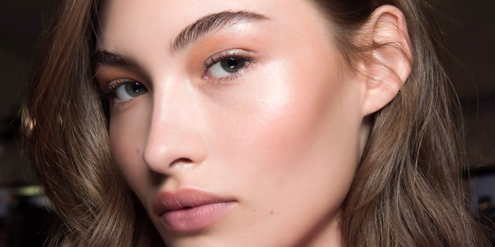 tendance-beaute-maquillage-brillance-hydratation-douceur-volupte