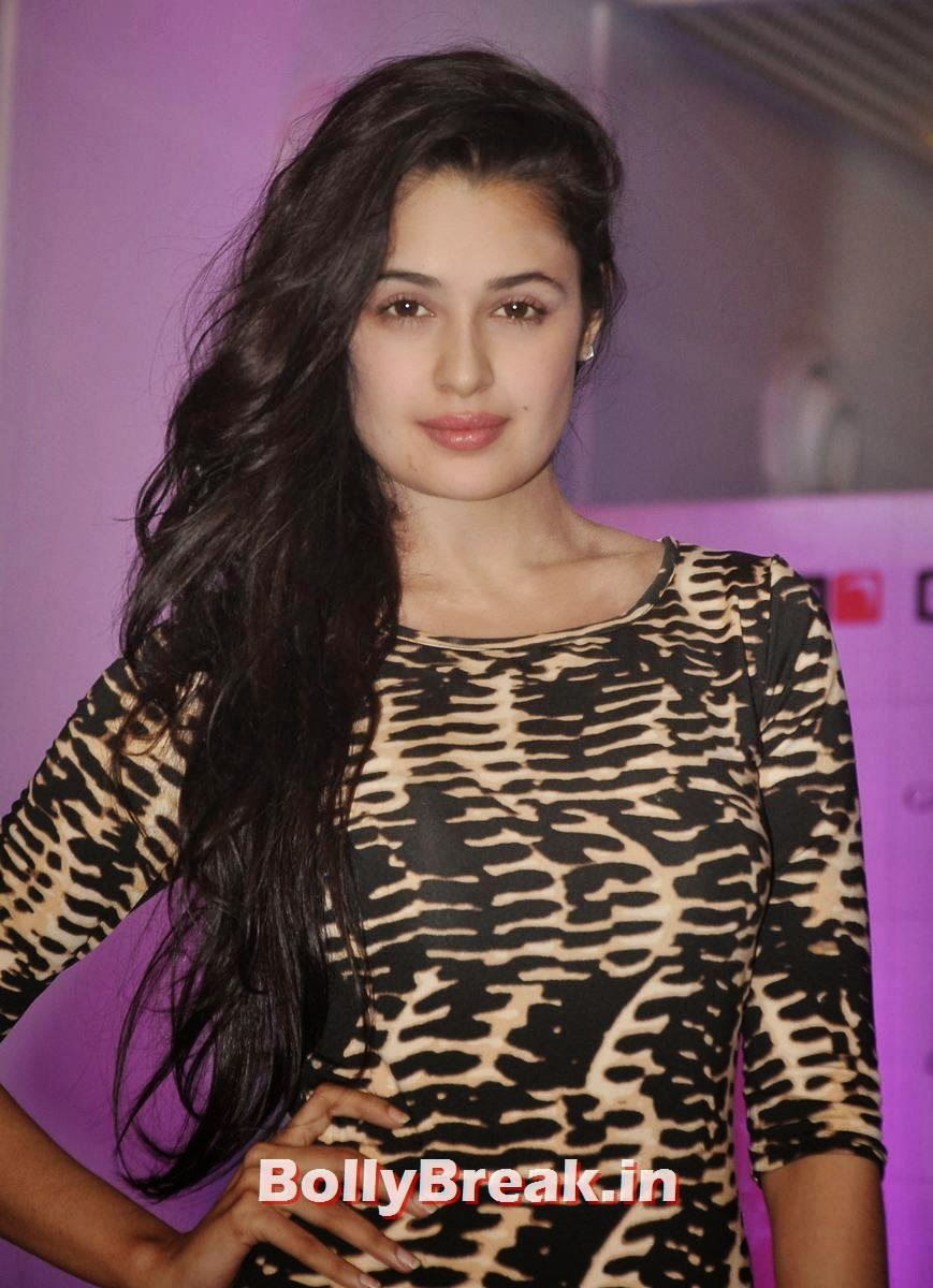 , Yuvika Choudhary Beautiful Pictures with Open Long Hair