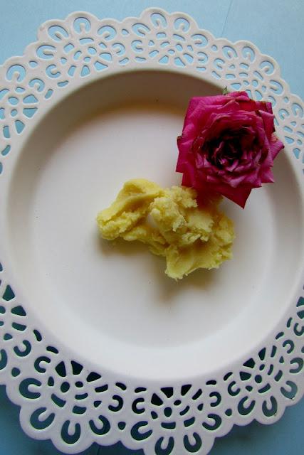 Krem własnej roboty - przeciwzmarszczkowy - różany