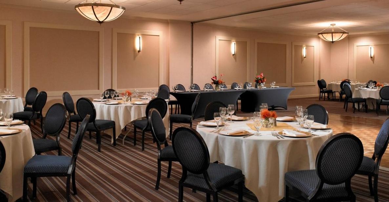 Sheraton Memphis Downtown Hotel Wedding Venue