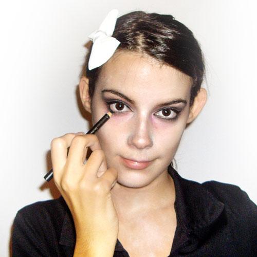 maquillaje de zombie casero paso 5
