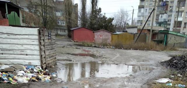 Жители Очакова возмущены наличием «озер» посреди города