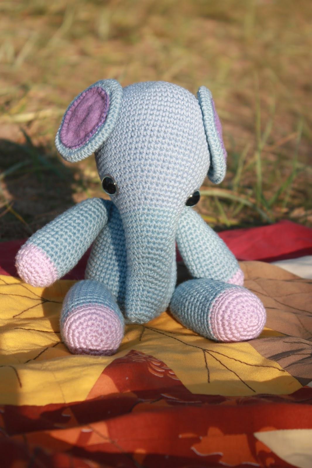 Pink crochet elephant pattern - Amigurumi Today | 1600x1066