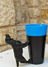http://123manualidades.com/vasos-reciclados-con-animales/2661/