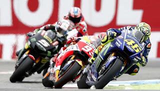Valentino Rossi Minta Maaf Overlap Mantan Rekannya Jorge Lorenzo