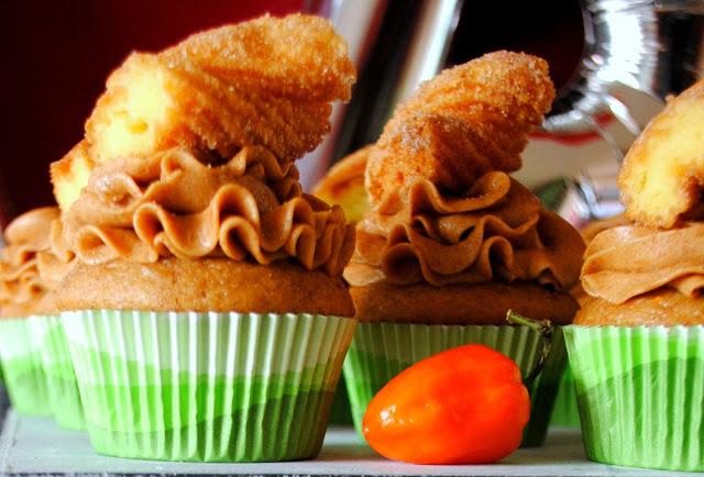 churro-cupcakes-cinco-de-mayo-cupcakes