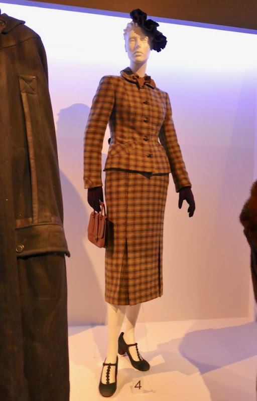 Daisy Ridley Murder on the Orient Express Mary Debenham costume
