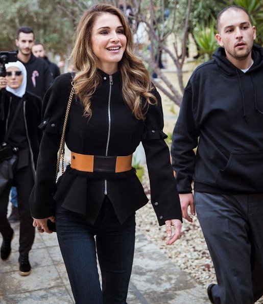 Queen Rania of Jordan met with the founders and volunteers of Nashmi Center for Youth Empowerment