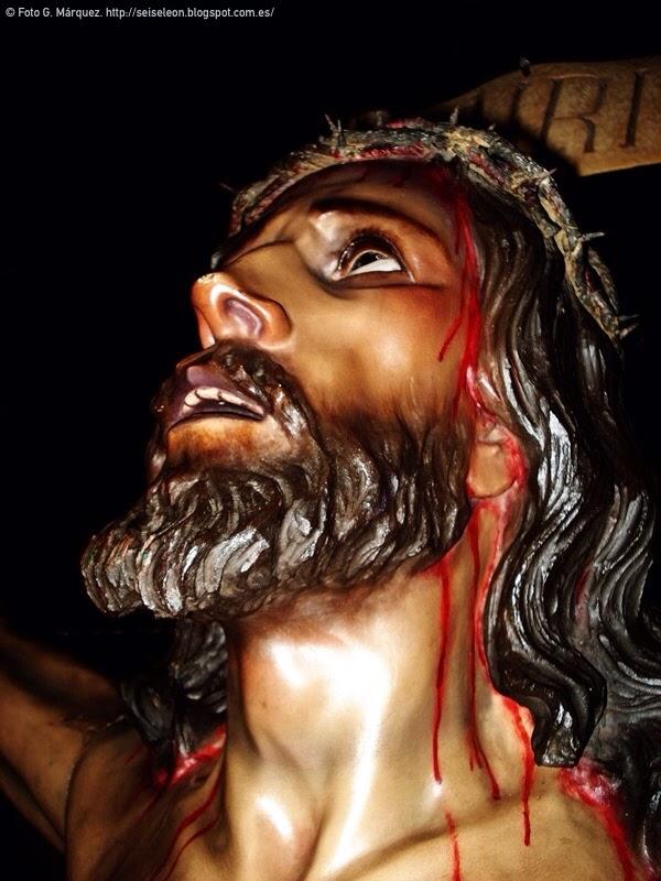 Santísimo Cristo de la Expiración. Imagen titular de la hermandad de la Expiración. Iglesia de San Francisco. León. Foto G. Márquez.
