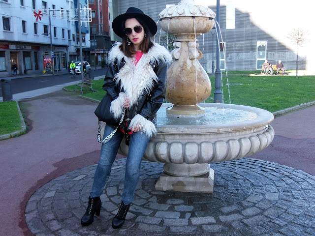 fashion, moda, look, outfit, blog, blogger, walking, penny, lane, streetstyle, style, estilo, trendy, rock, boho, chic, cool, casual, ropa, cloth, garment, inspiration, fashionblogger, art, photo, photograph, Avilés, oviedo, gijón, asturias, vaqueros, jeans, original, zara, bershka, stradivarius, biker,
