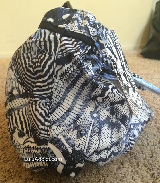 lululemon-wanderlust-diversity-bag side view