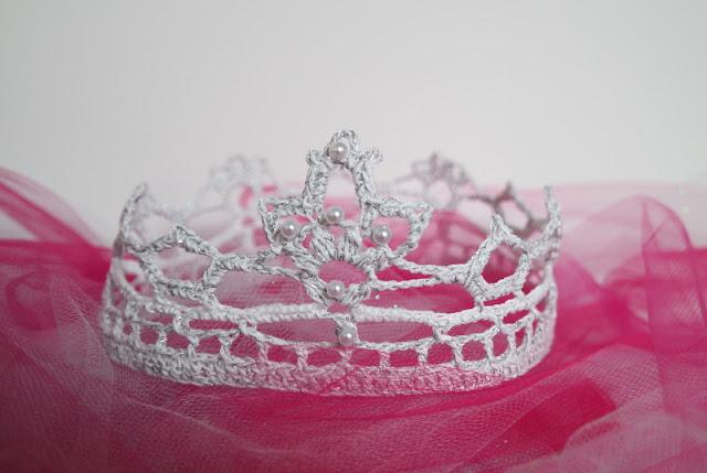 Halloween – szydełkowa korona dla małej księżniczki