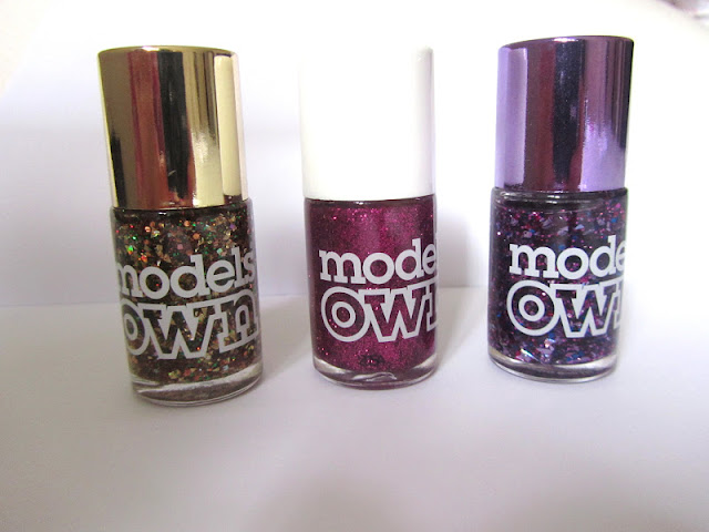 models_own_nail_varnish_swatch_beauty_blog