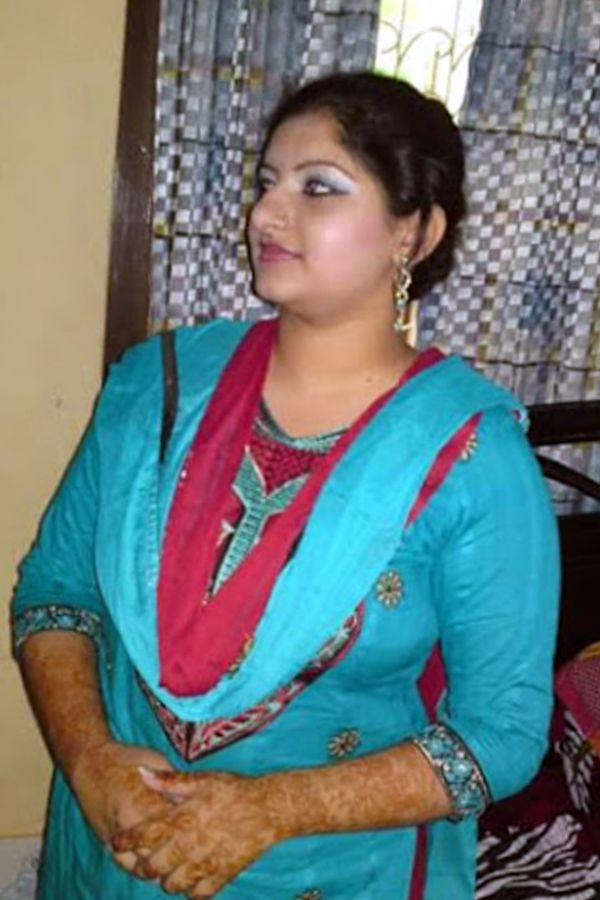 Hot Kanpuri Bhabhi Beautiful Housewife  Hot And Sexy-4037