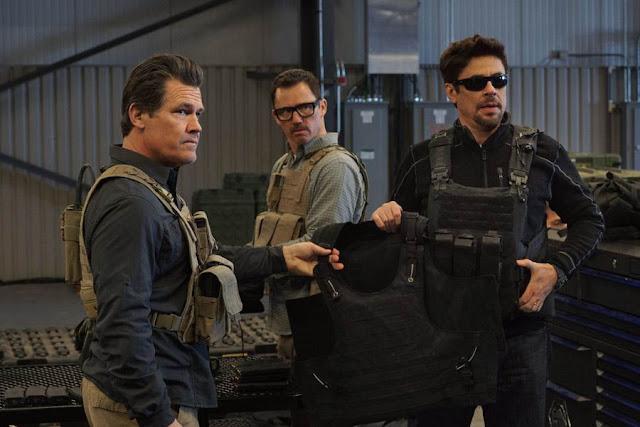 Josh Brolin, Jeffrey Donovan, Benicio Del Toro - Sicario: Day of the Soldado (2018)