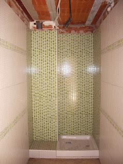 plato de ducha cuadrado cermico realizado en obra de viviendas