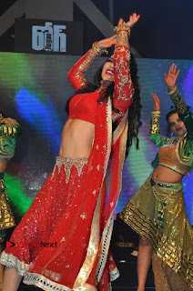 Bollywood Actress Model Sunny Leone Dance Performance in Red Half Saree at Rogue Audio Launch 13 March 2017  0162.jpg