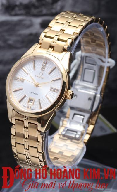 mua đồng hồ đeo tay nữ