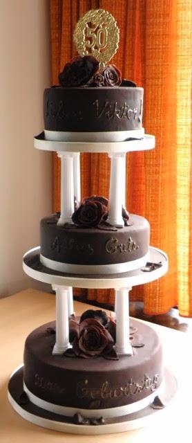 Dreistöckige Torte zum 50. Geburtstag