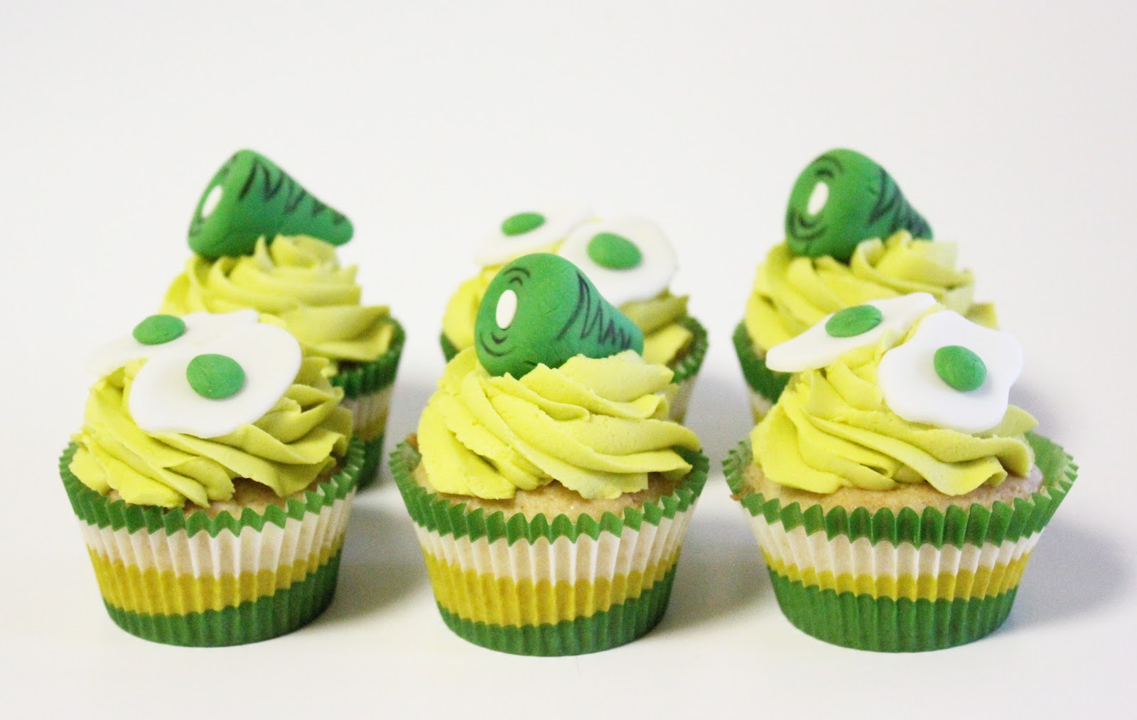MBC: Green Eggs and Ham...cupcakes!