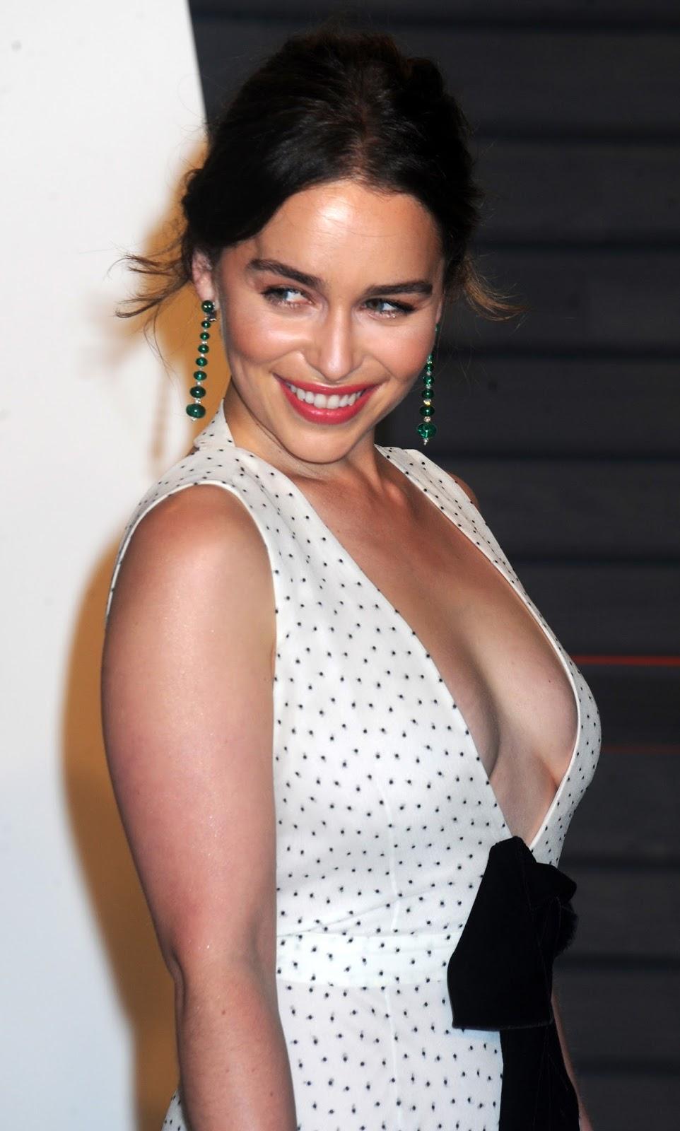 Emilia Clarke Hot Collection | Fliqy