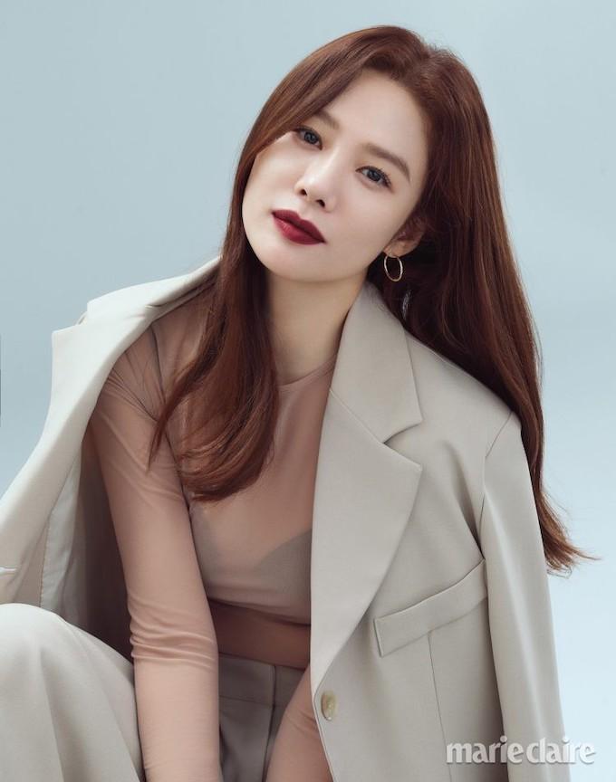 ebddbb7ec Eye Candy   Kim Hyun Joo For Marie Claire