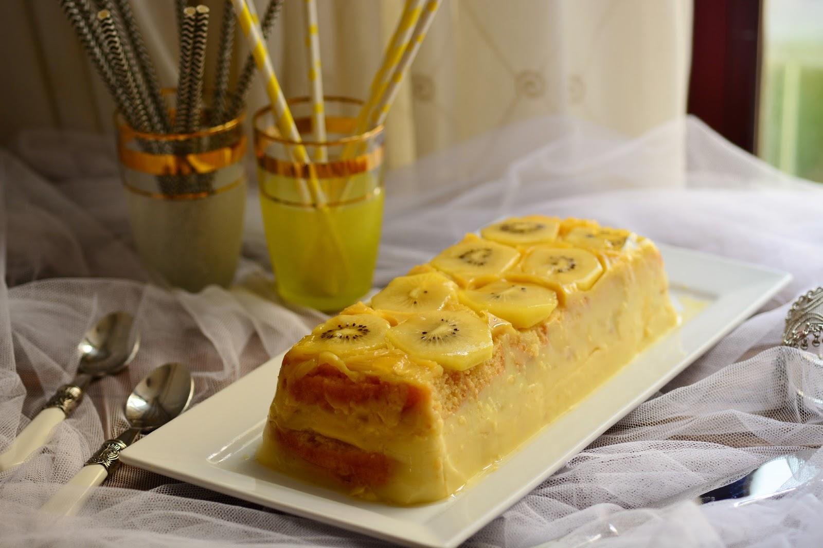 placa de fresa y kiwi Pastel rebanadas por Fran Casa De Muñecas alimentos