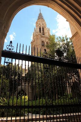 Arcos del claustro de la catedral de Toledo