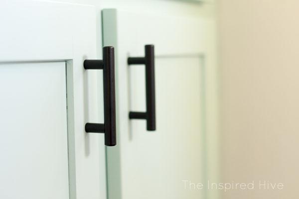 Matte black cabinet pulls. Affordable hardware for a modern farmhouse bathroom.